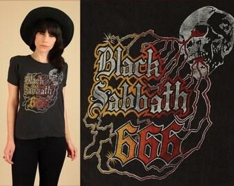 ViNtAgE Black Sabbath T-Shirt Rare 70's 666 Lightening Skull Shirt // Heavy Metal Rock Concert Tee Medium