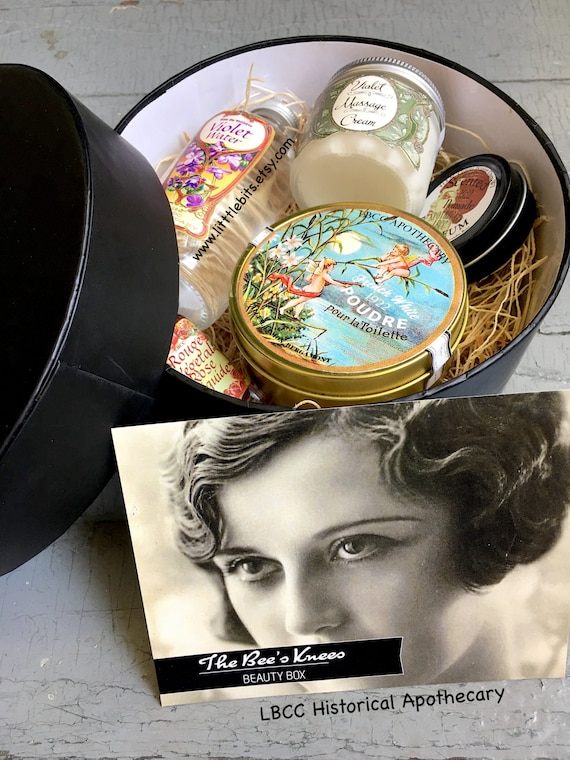 Authentic 1920s Makeup Tutorial 1922 Historical Cosmetic Beauty Boxed Set $55.00 AT vintagedancer.com