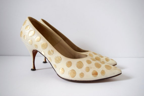 Vintage 60s Guild House Cream Ivory Leather and Straw Polka Dot Stiletto Heel Barbie style shoes size 7.5