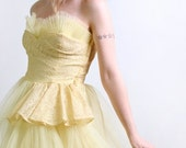 ON SALE 1950s Prom Dress in Sunshine Yellow - Strapless Tulle Evening Formal Gown - Medium Prom Queen
