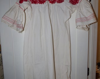 Vintage Mexican red white embroidered cinco de mayo fiesta dance costume dress muslin