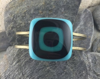 Fused Glass Cuff Bracelet in Bullseye Design. Turquoise, Black and Teal. Fused Glass Jewelry. Modern Bracelet. Art Glass Jewelry.