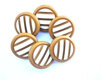 10 Vintage plastic buttons cognac color with white stripes