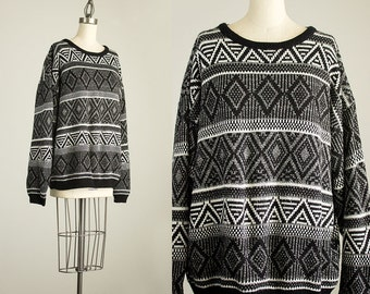 Cherie Vintage // 90s Vintage Black And White Geometric Knit Pattern Sweater / Size Large