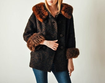 Vintage Brown Coat with Fur Collar & Cuffs