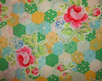 SALE Grass Green Yellow Pink Rose Patchwork Hexagon 31128 by Lecien Fabrics Flower Sugar Clearance