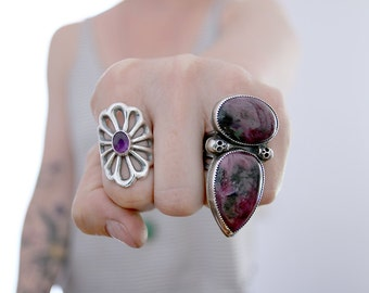 Ruby ring. Sterling silver ring with Rubies and skulls. Ruby cabochon, skull ring, gothic ring, statement ring, double ring, punk ring.