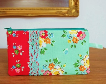 Retro Florals Coin Pouch, Pretty Pencil Case, Jewellery Pouch, Gadget Case, Cards Purse, Pretty Red and Green Flowers Zip Pouch