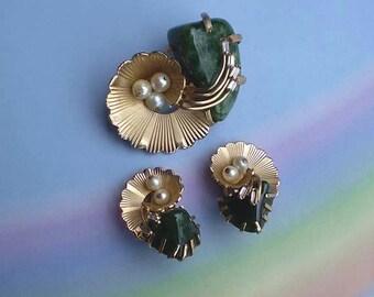 Vintage 60s Kramer Moss Agate Pearl Rhinestone Pin Earrings