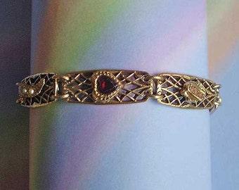 Vintage 50s Gold Filigree Panel Bracelet Faux Pearls