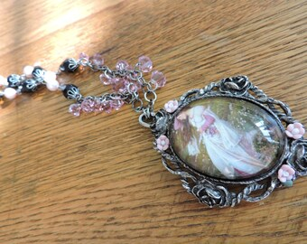 Victorian Lady Necklace black and Pink