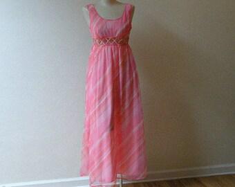 60s 70s Bubblegum Swirl St. Michael Nightgown Small