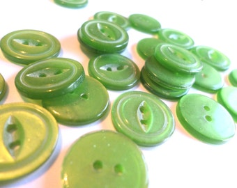 25 Green Vintage Buttons