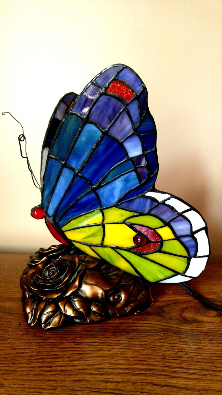 stained glass butterfly table lamp. Black Bedroom Furniture Sets. Home Design Ideas