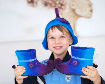 Gnome hat and slippers set in any color decorated with flowers, children sizes CUSTOM MADE
