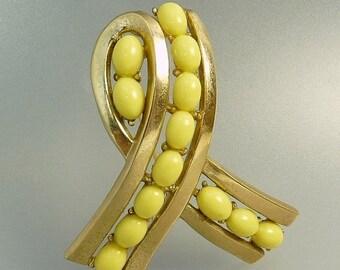 Vintage Trifari  Yellow Lucite Ribbon Pin Brooch