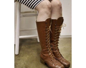 1970s Brown Leather Lace Up Boots
