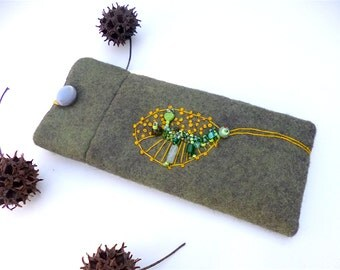 Green felt soft reading fiber art glasses sleeve, hand embroidery, abstract motif, accessory