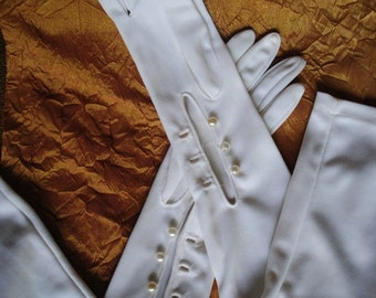 """Wedding vintage 60s white nylon, 23,0""""long, over the  elbow , opera gloves. Made by Aris. Size 6 1/2 , Size 7."""