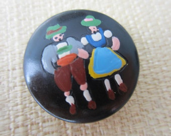 Vintage Button - Adorable hand painted Bavarian couple button La mode, old and sweet (aug 78b)