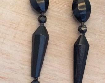 1940s black glass necklace