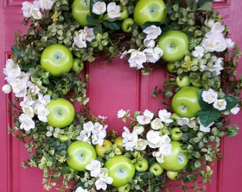 Apple Wreath....Door Wreath....Kitchen Wreath....Spring Wreath