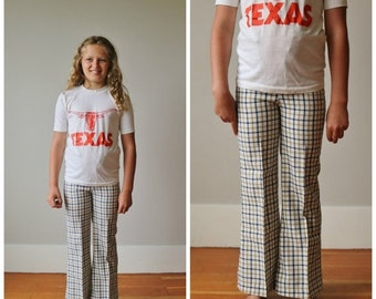 ON SALE 1970s Navy Plaid Bell Bottoms >>> Kid's Size 8/10