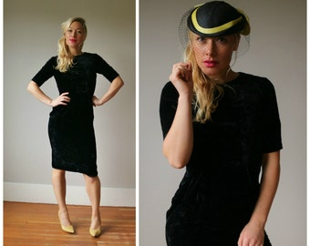 1950s Black Velvet Wiggle Dress~Size Extra Small