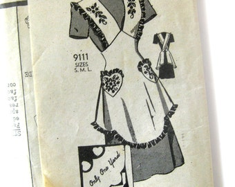 1940s Vintage Sewing Pattern - Marian Martin 9111 - Bib APRON with Heart Pocket - One Yard Apron  / Medium
