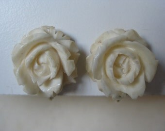 Rose Flower Earrings Clip Off White Gold Vintage Carved Lisner