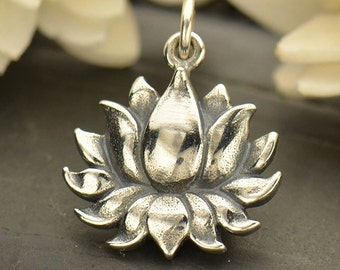 NEW -  Blooming Lotus Flower Necklace - Solid 925 Sterling Silver Textured Renge Charm - Free Domestic Shipping