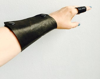 Leather Arm Band Cuff, Wristband, Goth Fashion Accessories for Her, Gifts Fashionista, Cool Leather Bracelets