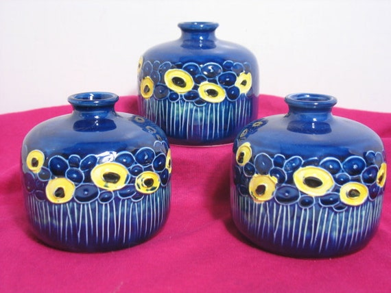 Fred Roberts Weed Pots, Vintage Set of 3 Blue Flower Vases, Yellow Abstract Flower design Mid Century Mod