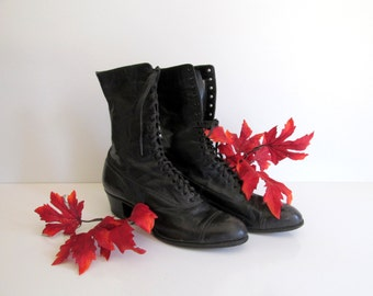 Antique Ladies Edwardian Black Lace Up Leather Boots Vintage Halloween Witch Decor