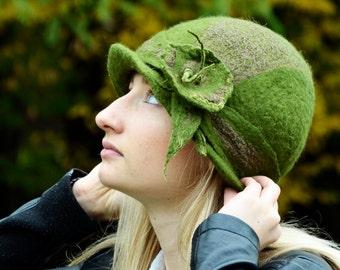 felt hat 1920s Hat Felted Hat Forest green cloche wool felt flapper art deco hats Felt cloche retro hat nunofelt Hat