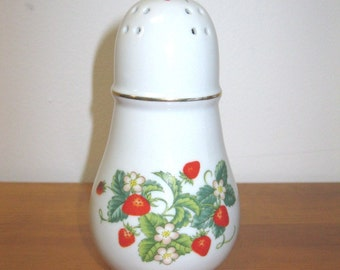 Vintage Avon White Porcelain Strawbebbies Pattern Cinnamon Sugar Salt Pepper Shaker