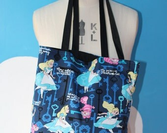 alice in wonderland - keys tote bag
