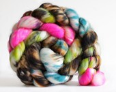 Powderpuff 4 oz Merino softest 19.5 micron Roving Top for spinning