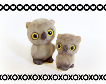 Vintage Josef Originals Fuzzy Owl Pair Family animal collectible , Flocked Owls Figurines with glass yellow eyes