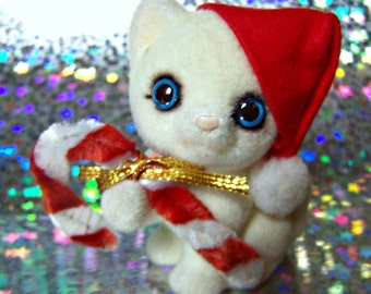 Vintage Flocked Figurine Josef Originals Japan Fuzzy Wazzy Christmas Big Eye White Kitten , Candy Cane & Santa Cap 1980 Holiday Collectible