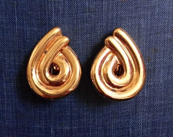 Vintage Earring Sandra Miller Burrows Signed Gold Tone
