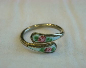 adjustable enamel ring  ( X 63 )