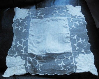 Vintage Bride's Hanky, Netting, Floral Corners, Scalloped Edge, Off White/Beige Color