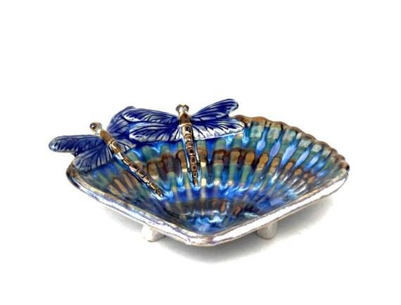 Dragonfly soap dish
