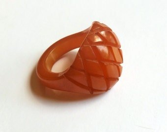 Vintage Carved Bakelite Ring Butterscotch Color Size 6 Mid Century Ring
