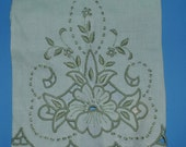 Pair Vintage Linen Guest Towel Hand Embroidered Portugal Green