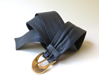 80s vintage Navy Blue Leather Cinch Belt with Gold Metal Buckle