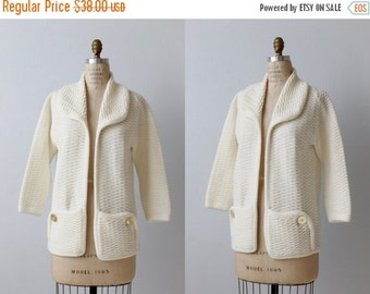 On SALE Vintage 1970s White Open Front Sweater / Portrait Collar /  Rounded Pockets
