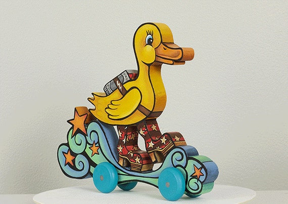 Glam Duck Push Toy
