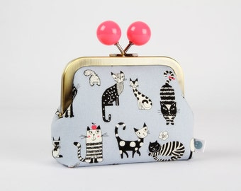 Metal frame coin purse with color bobble - Funny cats on grey - Color dad / Japanese fabric / black and white cats / neon pink / light grey